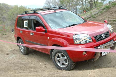 T30エクストレイル トライアル大会参戦中の