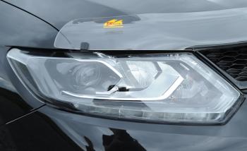 T32エクストレイルのヘッドライト
